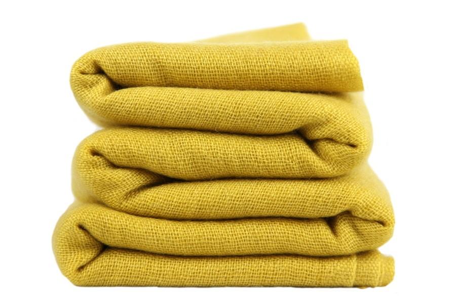 charpe en cachemire jaune pour homme et femme. Black Bedroom Furniture Sets. Home Design Ideas