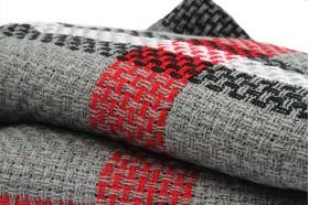 Écharpe oversize en tricot écossaise