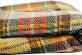 miniature : Écharpe oversize en tricot écossaise
