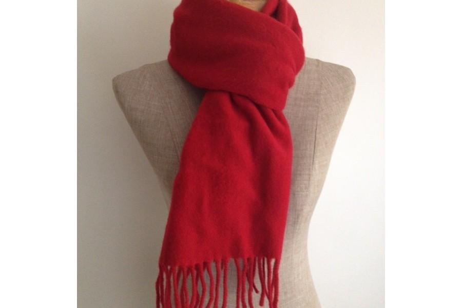 Écharpe en laine rouge · Écharpe rouge en Lambswool 34585006b64