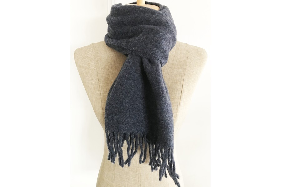 8cb3386e22b Écharpe bleu marine nuit en laine homme et femme