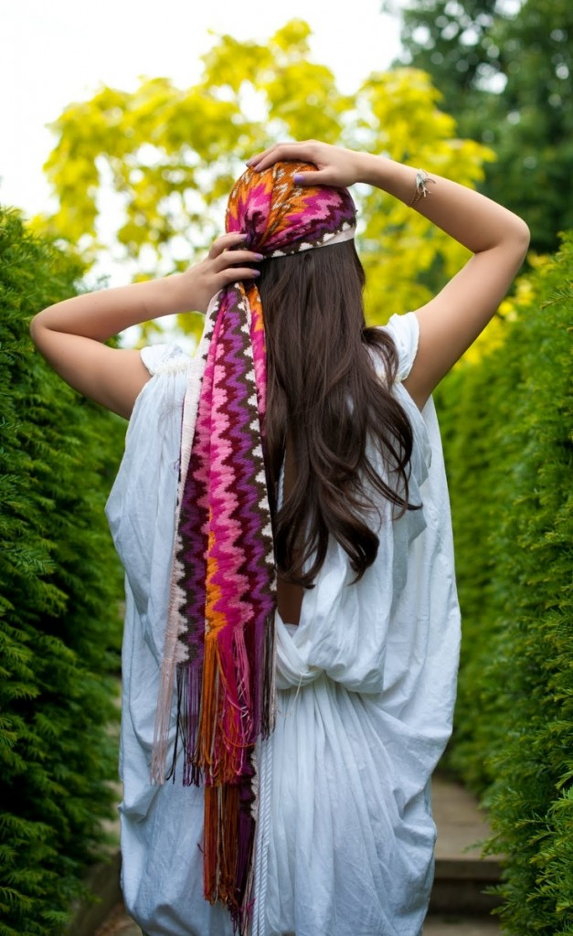 mettre nouer foulard cheveux