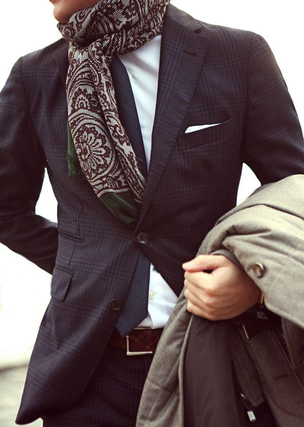 comment porter un echarpe d'homme