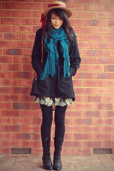 echarpe avec manteau noir