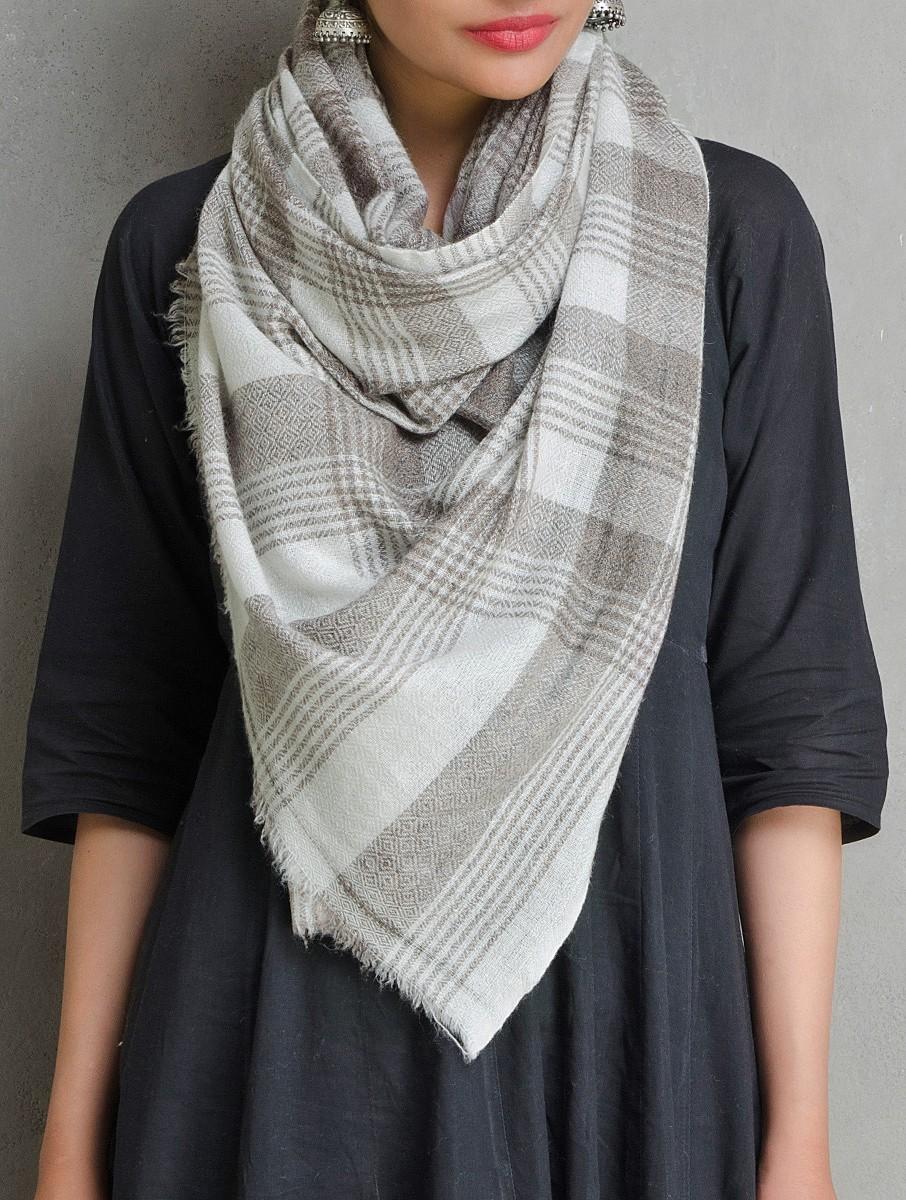 attacher foulard pashmina