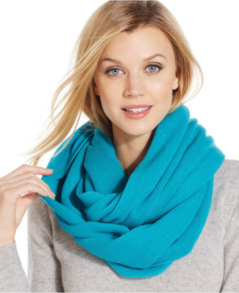 Comment mettre nouer et porter un foulard autour du cou - Nouer une echarpe ...