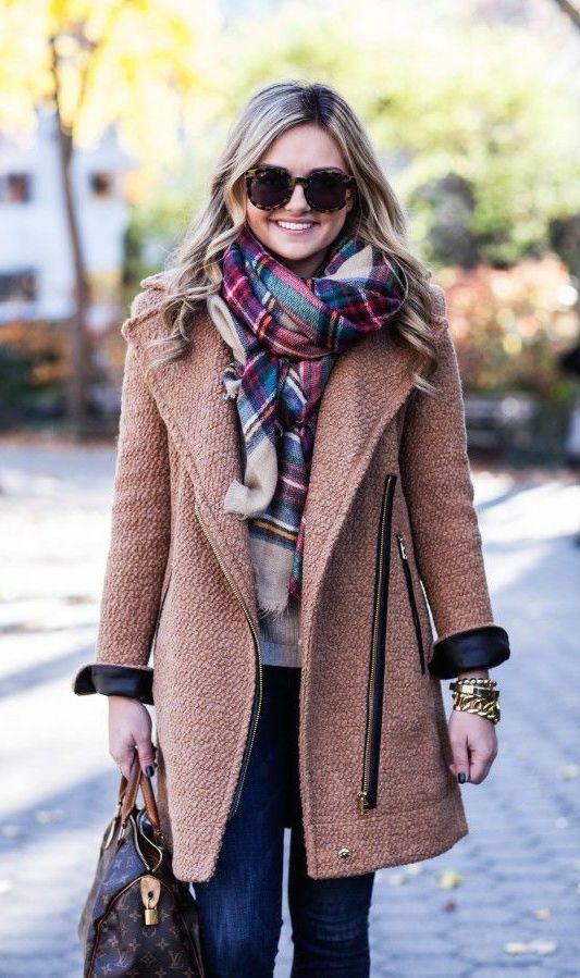 4c1ebf1798f8 Comment porter, mettre une grosse écharpe en laine