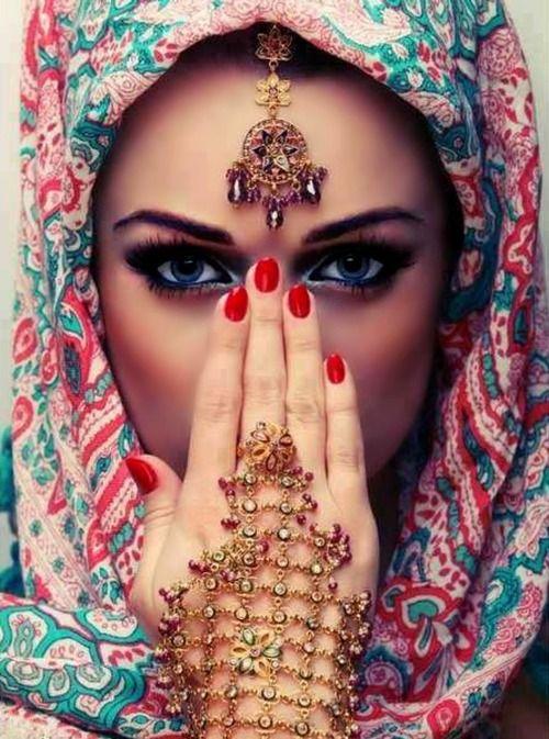 Comment porter son pashmina indienne