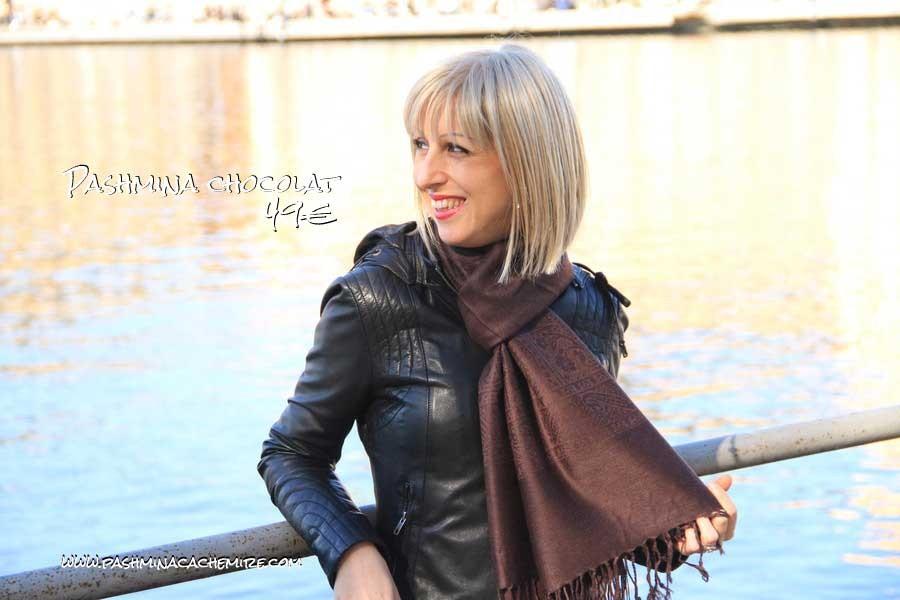 Comment porter et associer la couleur marron